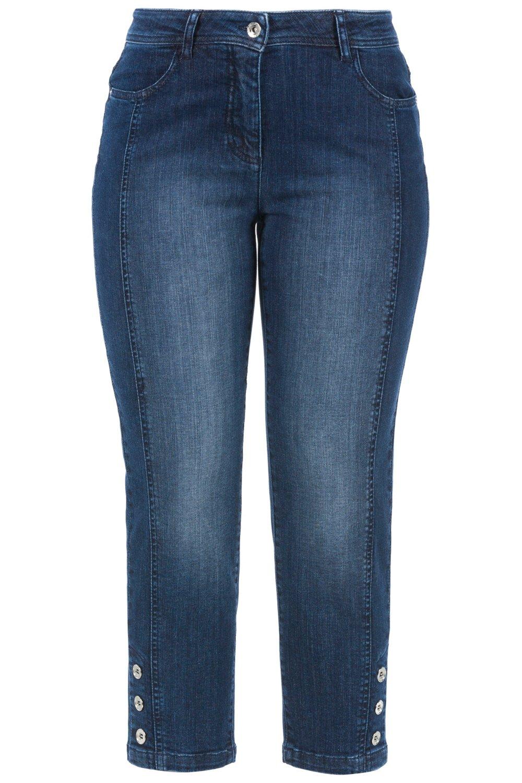 Artikel klicken und genauer betrachten! - 3/4-Jeans Carla - die perfekte Komfortjeans in vielseitiger Länge. Jetzt mit Ziernaht vorne und Knöpfen seitlich am Saum. Bequemer Stretch-Denim als normal weite 5-Pocket-Form mit hoher Leibhöhe und bequem geschnittenen Oberschenkeln. Bund mit Gürtelschlaufen, Knopf und Reißverschluss.   im Online Shop kaufen