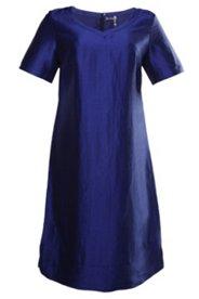 Sommerkleid aus Leinen, ausgestellte Form