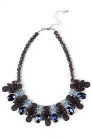 Halskette, kurze Collierform