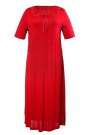 Kleid mit Spitzendetails und Knöpfen