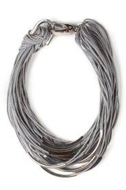 Halskette, mehrreihig mit Metallic-Dekor
