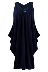 Kleid, Ausschnitt mit Paillettenstickerei