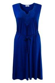 Kleid mit blickdicht unterlegter Häkelspitze