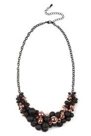 Kette mit wunderschöner Perlentraube, schwarz/kupferfarben