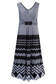 Kleid, Zickzack-Design, Ziersteine, ausgestellte Form
